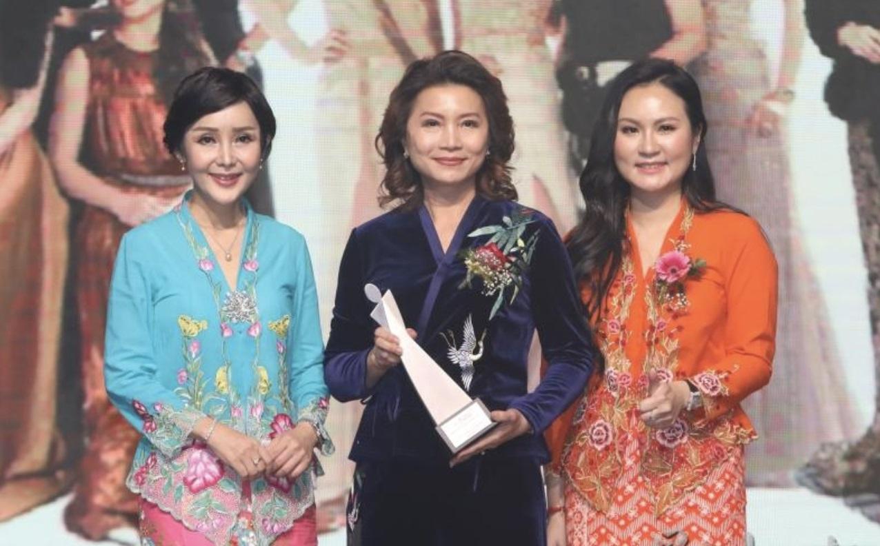 """(中文) MCWEA""""亚洲巾帼之夜""""‧表彰22卓越女性"""